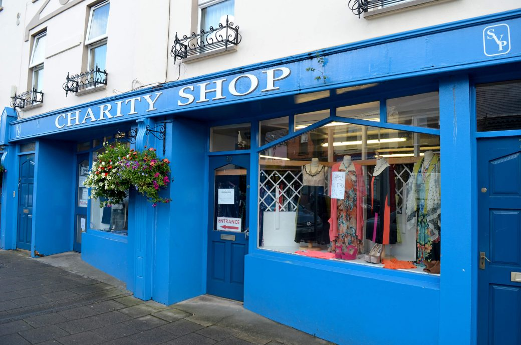 Charity shop à Buncrana
