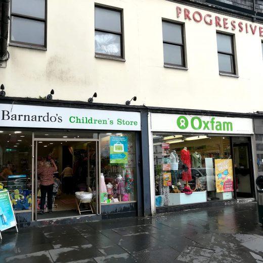 Charity shop à Derry